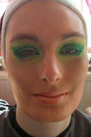 Mon dieu que cest moche\u2026(et vulgaire). lookBig Take_Me_To_Brazil_Carnival_Makeup_Tutori_114074860_thumbnail